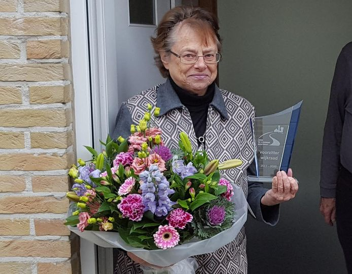Renilde Thys wordt in de bloemetjes gezet.
