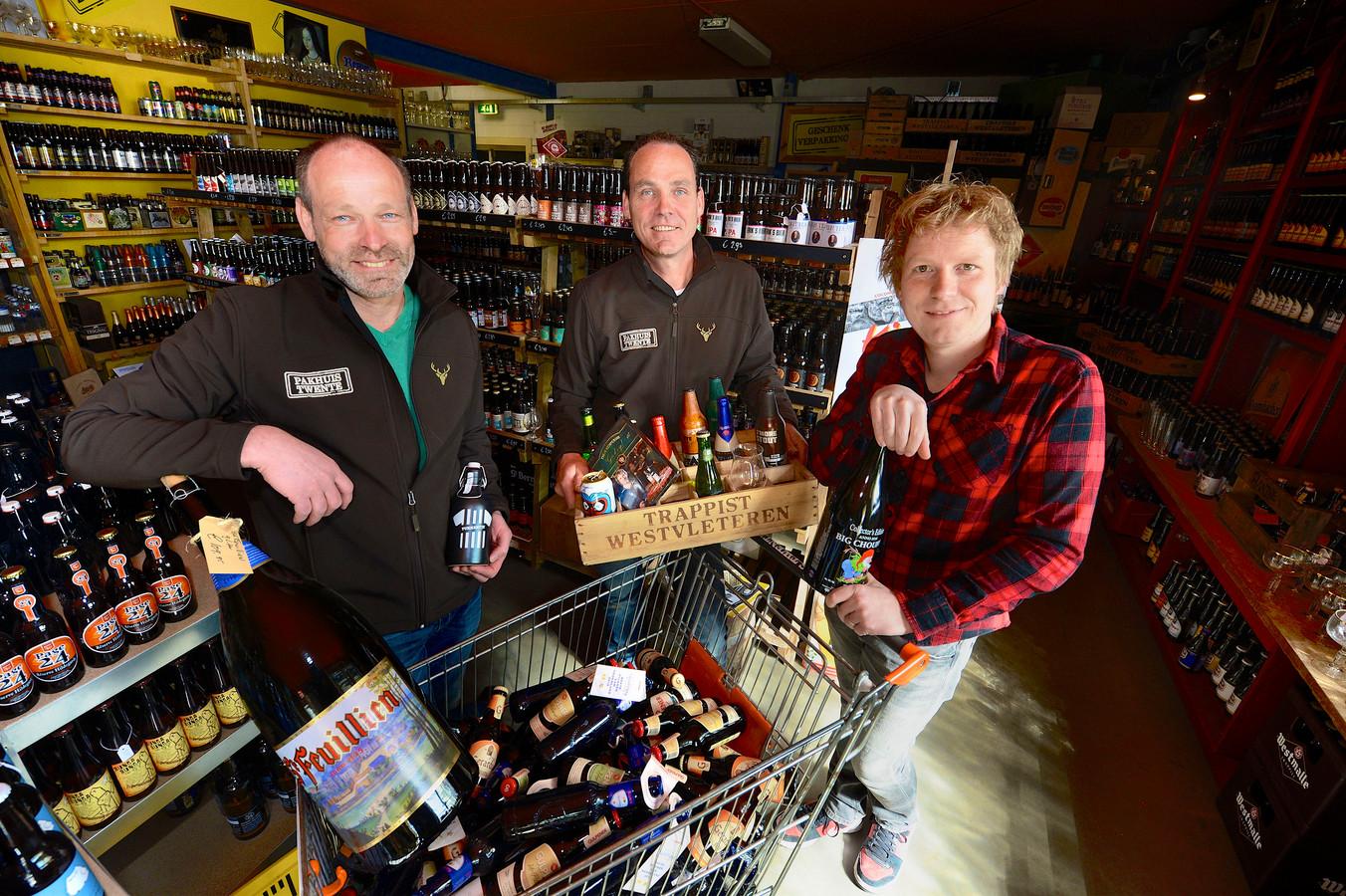 Edward Morshuis, Marc Morshuis en Thijs Kemperink (van links naar rechts) in Pakhuis Twente Albergen.