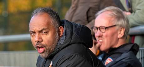 Dubbelrol bevalt voetbaltrainer Robert Grauwde en  DVOV uit Velp: één jaar erbij