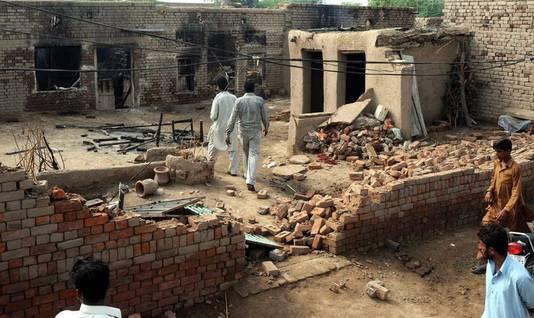 Huizen van christenen gingen in vlammen op.