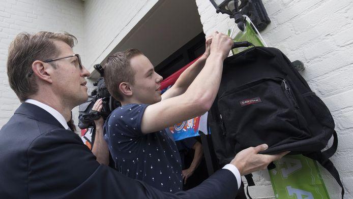 Ruud van Mierlo samen met staatssecretaris Sander Dekker.