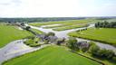 Een luchtfoto van de Vlaardingervaart en de Vlietlanden met centraal B & B Rechthuis van Zouteveen. Linksboven is restaurant Vlietzicht nog net zichtbaar