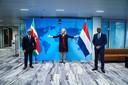 Minister van Buitenlandse Handel en Ontwikkelingssamenwerking, Sigrid Kaag, samen met haar Surinaamse collega's Albert Ramdin (links) en Armand Achaibersing, die in oktober vorig jaar op werkbezoek waren in Nederland