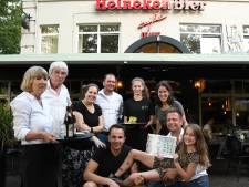 Buren nemen café De Unie in Den Bosch vanwege corona even over