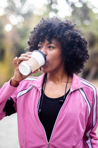 """Koffie verbetert sportprestaties. """"Het effect van een espresso houdt twee à drie uur aan"""", zegt sportarts"""