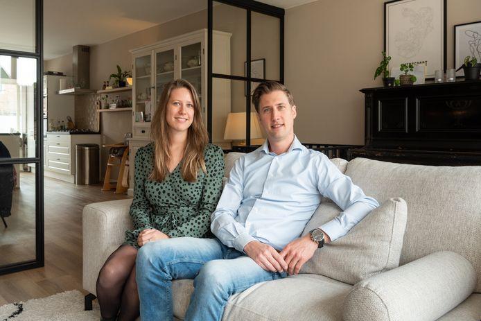 Jeroen Koot en Simone Geerding: ,,Waarom mag een zakenreis wel, maar het bezoeken of ontvangen van je kind ver weg niet? Wat is nou belangrijker?''