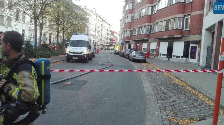 De straat is volledig afgesloten.