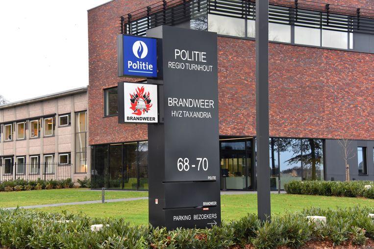 De thuisbasis van politiezone Turnhout langs de Noord-Brabantlaan