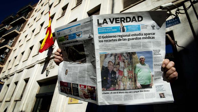 De moord op oud-volleybalster Ingrid Visser en haar partner Lodewijk Severein blijft voorpaginanieuws in de Spaanse kranten.