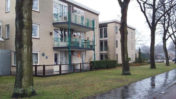 Het appartement linksonder was opnieuw doelwit van overvallers.