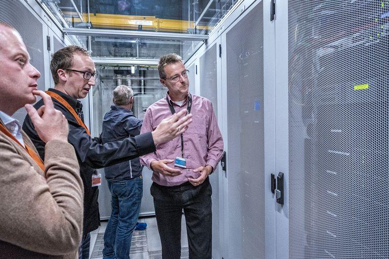 Een rondleiding bij datacenter Schuberg Philis. Beeld Patrick Post