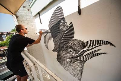 Blind Walls Gallery vult collectie aan met vegetarisch stilleven en bijzondere duif