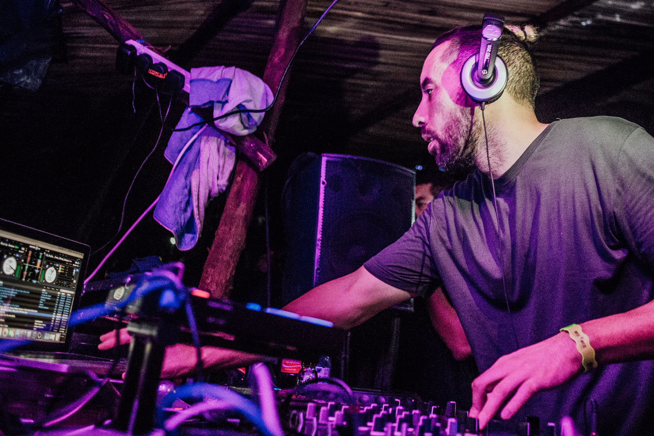 De Bossche dj en Chris van Dongen (Crisio) op het Nyege Nyege festival in Oeganda