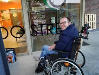 """Burgemeester Tom De Vries (Open Vld) verliest broer Koen (44) aan multiple sclerose: """"Hoe zwaar de tegenslag en het verlies ook, je bleef gaan"""""""