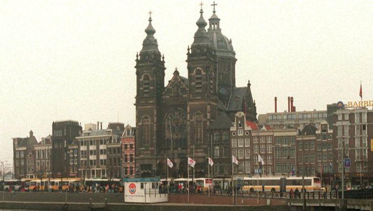 Archieffoto van de Sint Nicolaaskerk schuin tegenover het Centraal Station. Beeld ANP