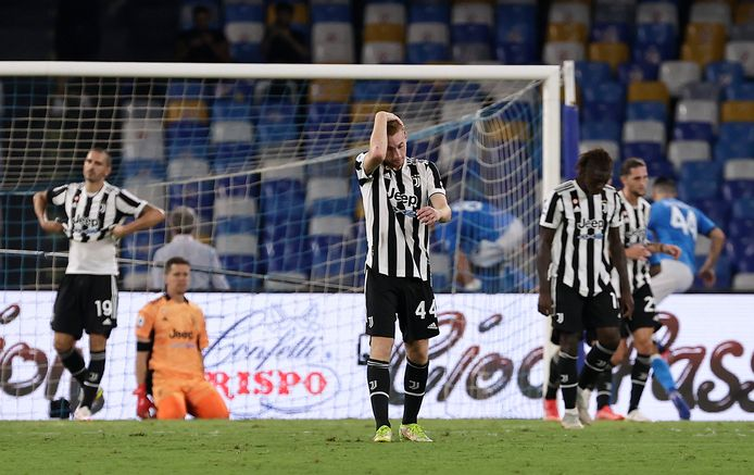 Spelers van Juventus balen na een tegentreffer tegen Napoli.