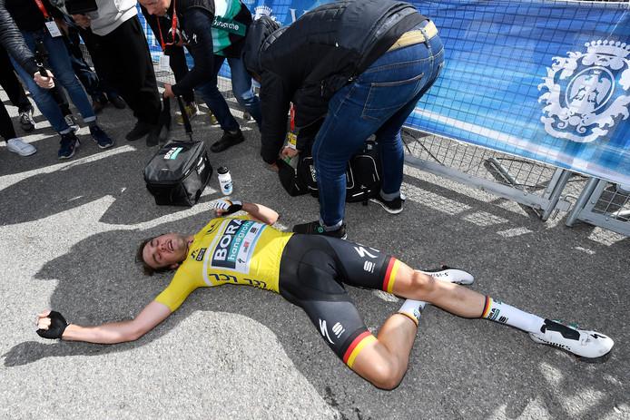 Maximilian Schachmann is doodop na de laatste rit in Parijs-Nice.