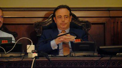 De Wever zwijgt: totaal andere aanpak van coalitievorming dan zes jaar geleden