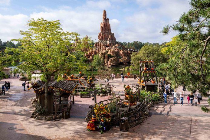 Disneyland Paris a inauguré la saison d'Halloween avec la présence de plusieurs célébrités françaises.