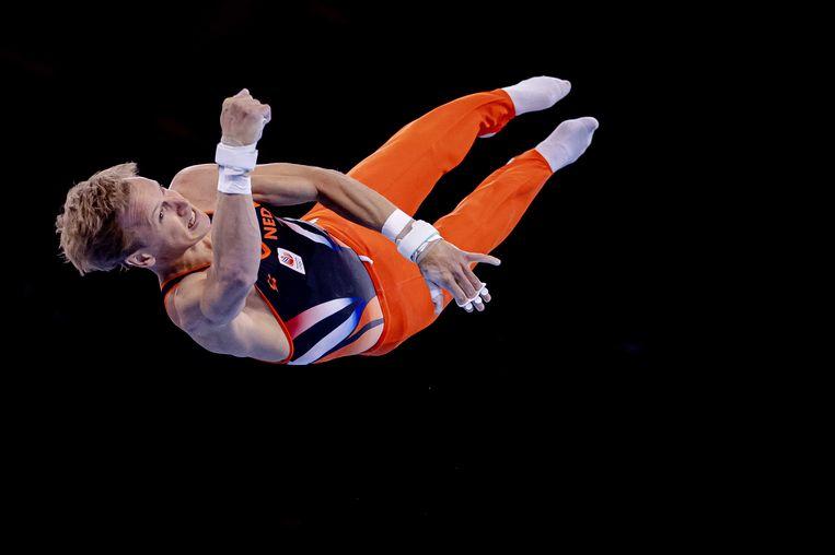 Epke Zonderland in actie tijdens de kwalificatiewedstrijd op de Olympische Spelen. Beeld ANP