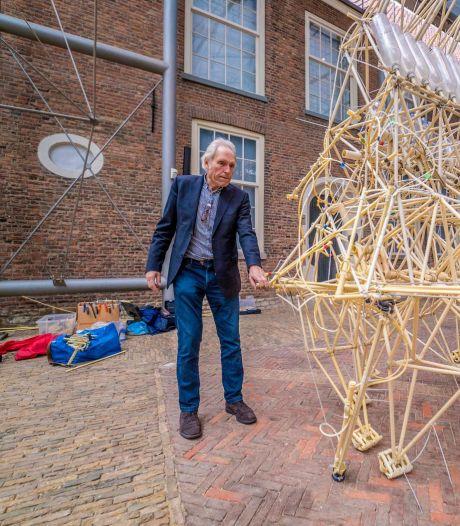 Wereldberoemde 'strandbeesten' van kunstenaar Theo Jansen zijn te bewonderen