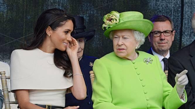 """Meghan Markle sprak met de Queen voor begrafenis: """"Ze beseft hoe moeilijk de reis naar Engeland was voor Harry"""""""