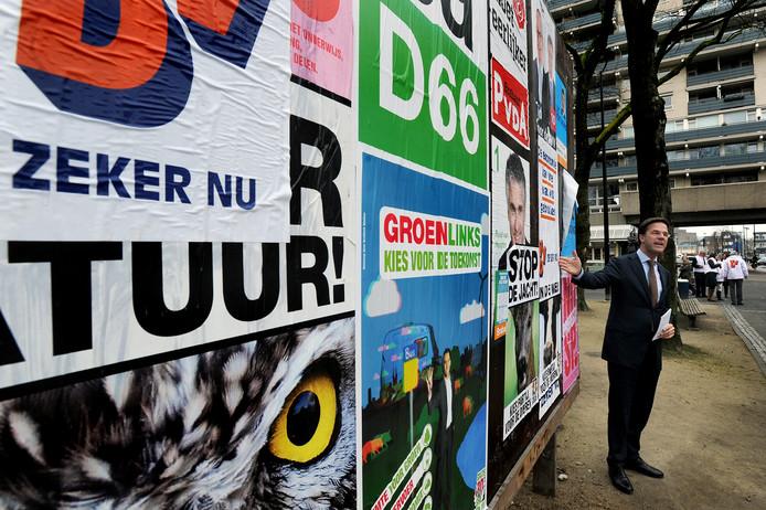 Bij de vorige Statenverkiezingen liet ook premier Mark Rutte van zich horen, zoals hier op het Tilburgse Piusplein.