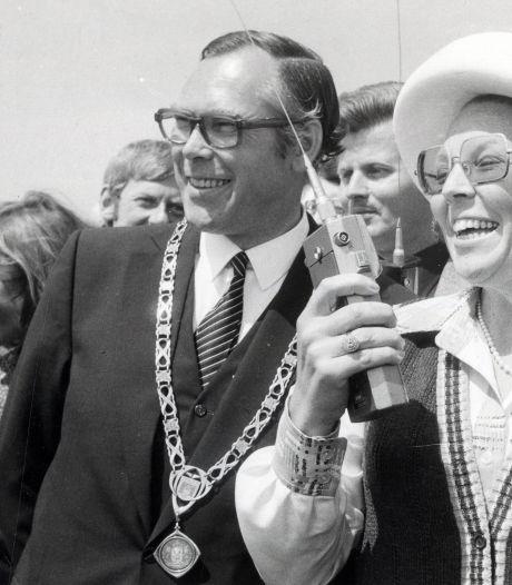 Gorcumse raad herdenkt oud-burgemeester Bert Schreuder