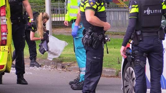 Politie doet onderzoek in Enschede na een schietpartij in de buurt van basisschool Europa.
