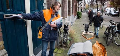 Postbode bestrijdt onkruid, meet waterstanden en helpt ouderen.