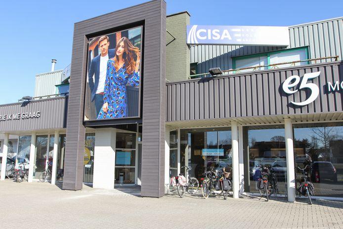 De voorgevel van e5 mode in Herentals