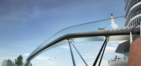 Omstreden voetgangersbrug Waalhaven tonnen duurder bij vriendelijker maken voor mensen in rolstoel