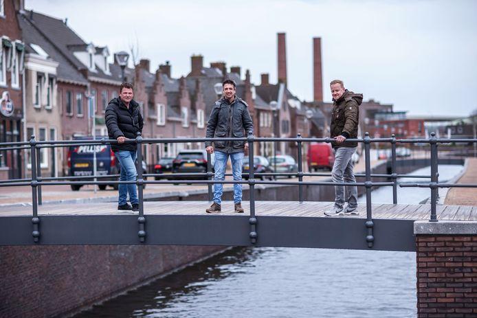 Albert van Tetering, Raoul Kanters en Ivo de Groot willen een triatlon van de grond krijgen in Zevenbergen. De nieuwe haven moet als zwembad fungeren.
