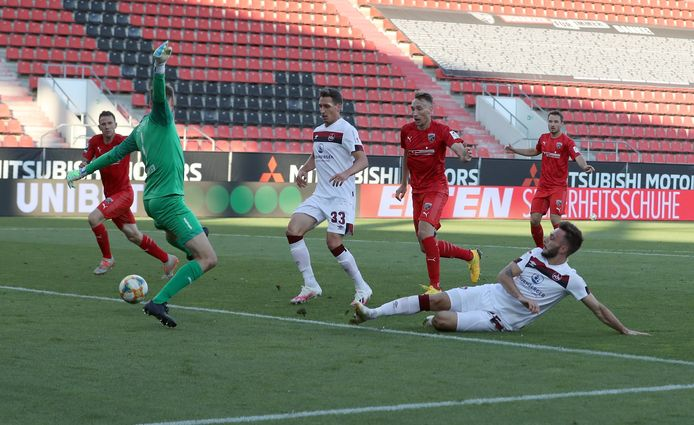 Fabian Schleusener tikt de 3-1 binnen...