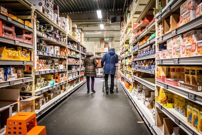 (Illustratiebeeld) De gezinnen die bij Appel & Ei winkelen, krijgen de komende weken kortingsbonnen voor Colruyt.