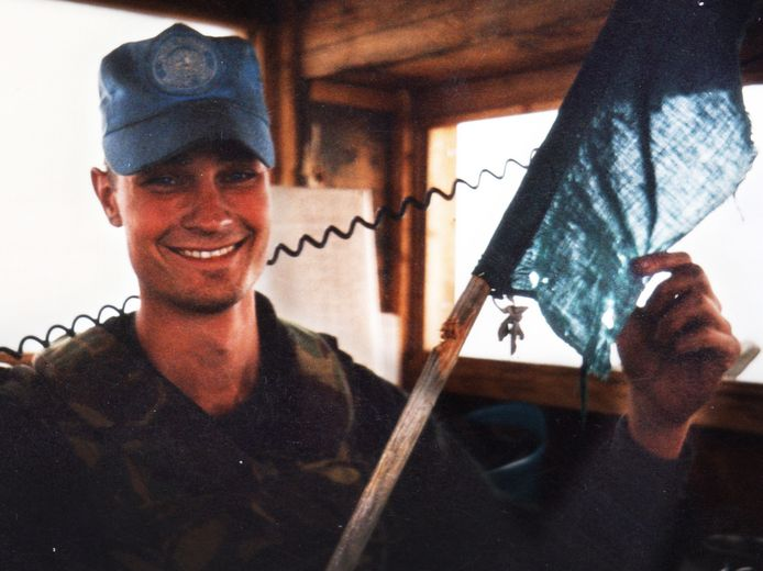 Raviv van Renssen (25) werd in 1995 gedood in Srebrenica, vermoedelijk door een Bosnische moslim. Het OM zag geen juridische mogelijkheid de man op te sporen.