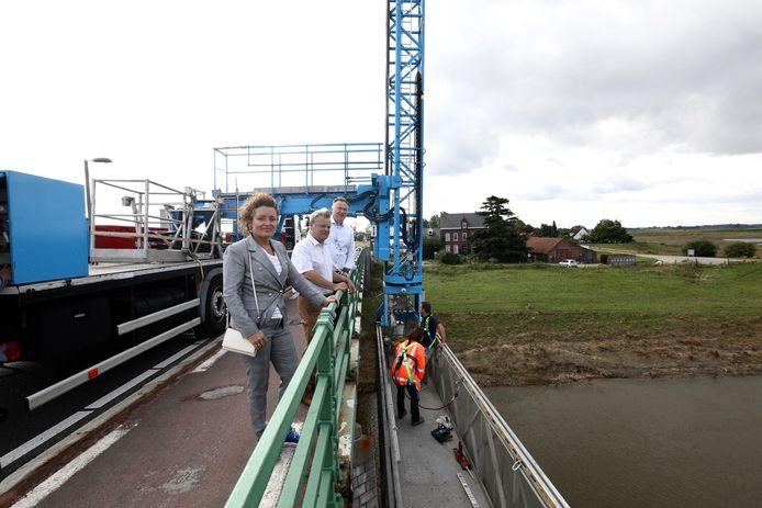 Later deze week wordt de Maasbrug opnieuw geïnspecteerd.