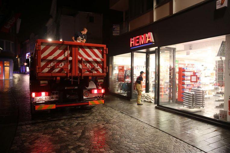 De brandweer zal geen zandzakjes meer moeten leveren aan de handelaars wanneer de mobiele waterschotten gebruikt kunnen worden.