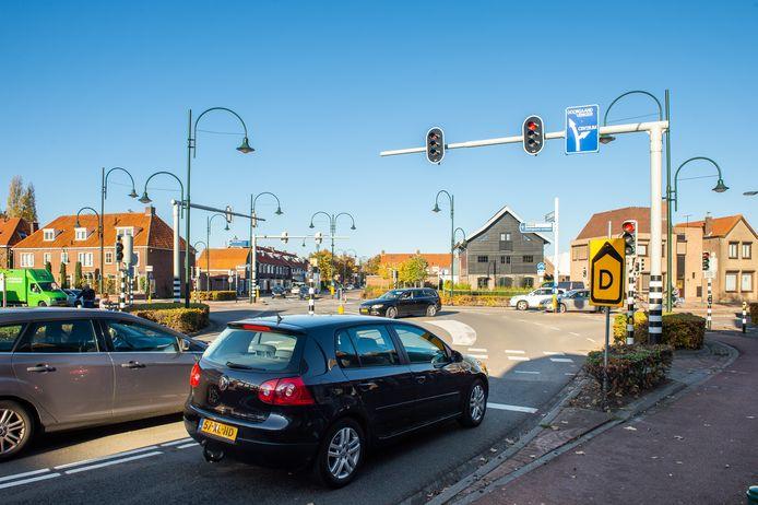Bredaseweg Oosterhout gezien vanaf fietsenwinkel Trommelen.