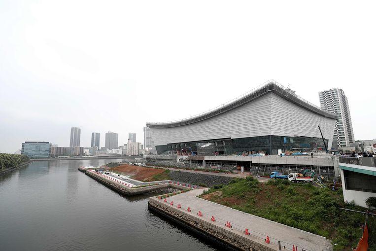 De Ariake Arena, ook nog steeds in opbouw.