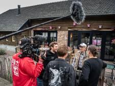 Joep en Thijs wasten een zomer lang billen van demente bejaarden in Mariahout