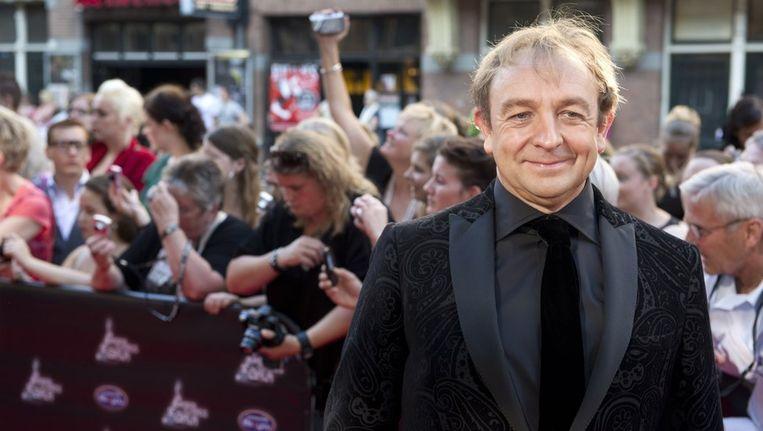 Jon van Eerd komt zondag aan bij het DeLaMar Theater in Amsterdam voor de uitreiking van de John Kraaijkamp Musical Awards. Beeld anp