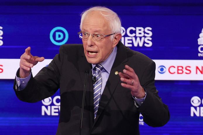 Bernie Sanders lors d'un débat en Caroline du Sud dans la course pour décrocher l'investiture du parti démocrate.