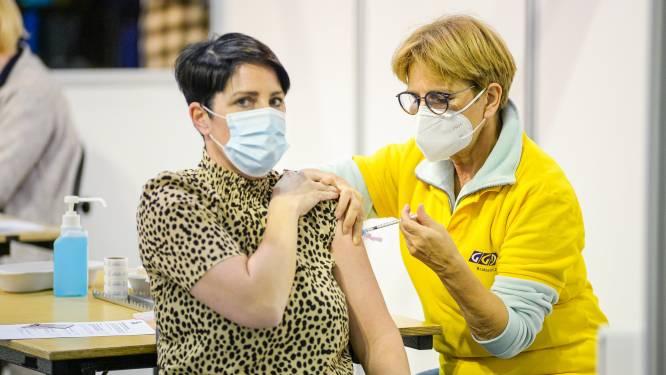 """Vaccinatiecentrum wordt tentendorp naast sporthal Hoge Wal: """"Sportclubs kunnen sporthal blijven gebruiken"""""""
