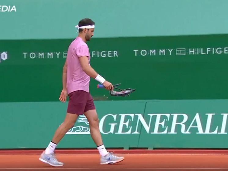 Gefrustreerde Dimitrov gooit racket kapot tegen Nadal