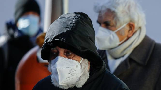 Jonge 'vaccinvoordringers' in seniorenkleding opgepakt in Mexico