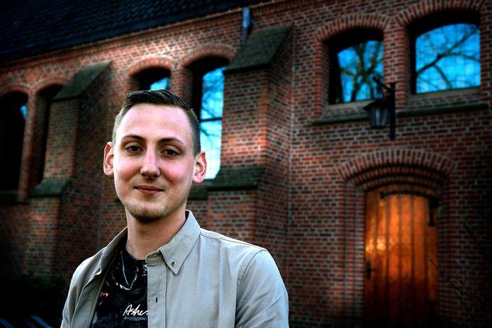 Ben van Stenis wil dominee worden. Hij werd een jaar lang gevolgd voor de documentaire 'De jongens van de Broederweg'.
