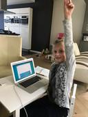 In Eersel heeft Sanneke Bartels een klasje ingericht voor haar drie meiden.