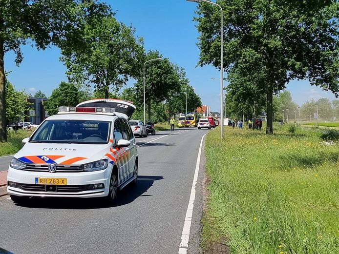Er zijn veel hulpdiensten uitgerukt voor een ernstig ongeval in Hengelo