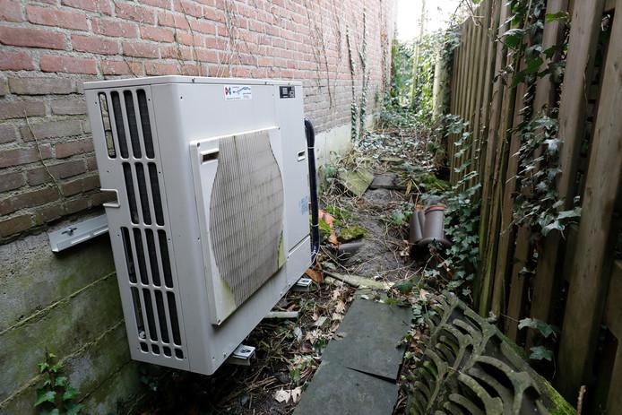 Een warmtepomp in een huishouden. Om de CO2-uitstoot te verminderen zullen in de toekomst onder meer cv-ketels moeten worden vervangen door duurzame alternatieven, zoals de warmtepomp.